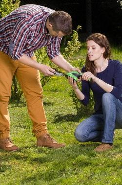 plenerowa sesja reklamowa nożyce