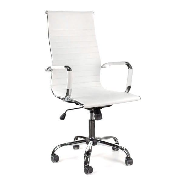 gotowa fotografia produktowa białego fotela na białym tle.